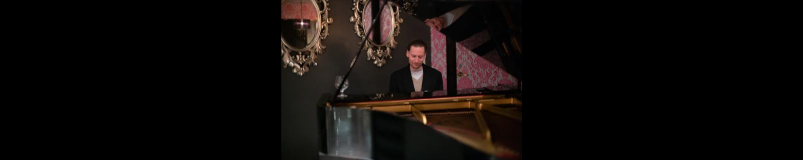 Grant Levin Pianist Kanpai Kounge Hotel Nikko San Francisco